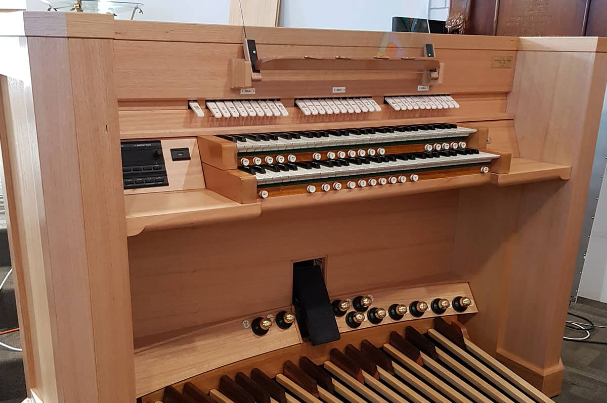 Hutchins school hobart 02- Australian Pipe Organs